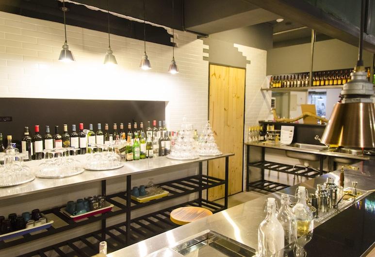 大可居青年旅館, 台北市, 飯店內酒吧