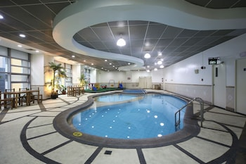 馬卡蒂無限大樓套房飯店的相片