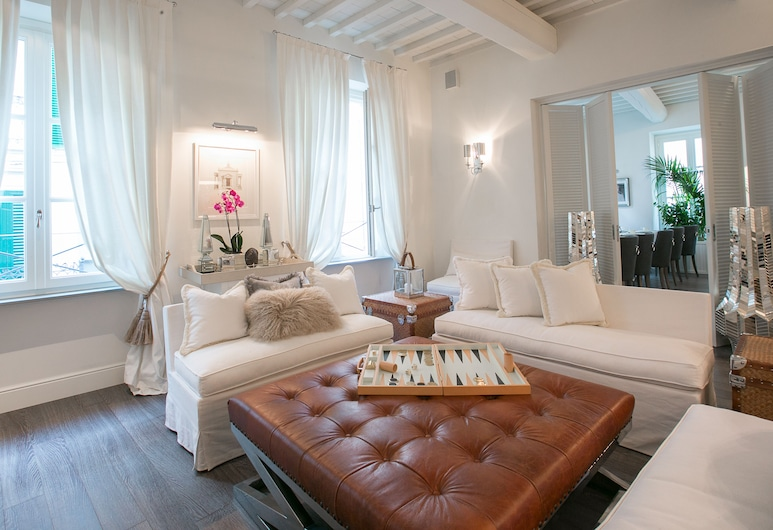 Hall, Empoli, Zona de estar