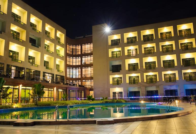 Gorillas Golf Hotel, Kigali, Extérieur