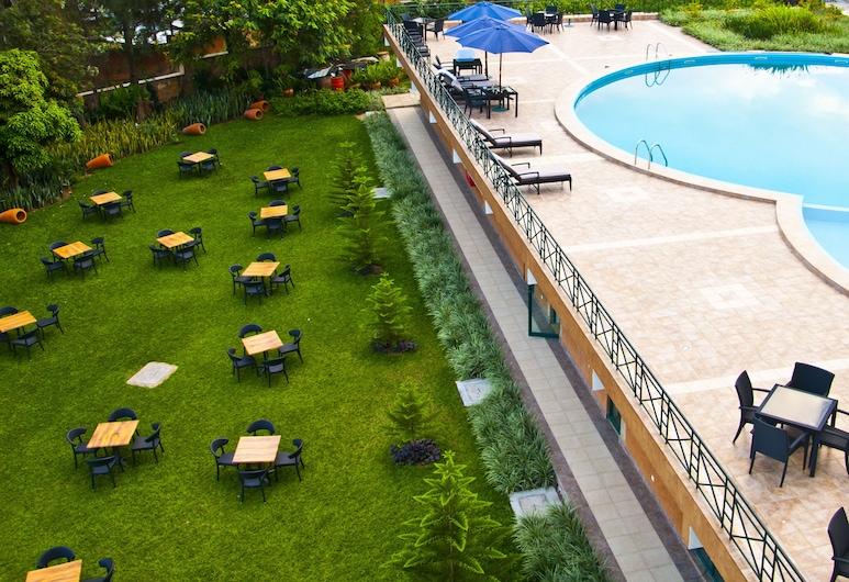 Gorillas Golf Hotel, Kigali, Outdoor Pool