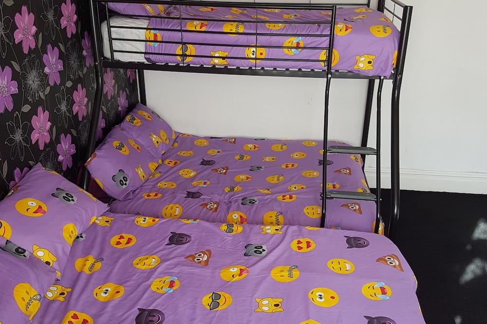 غرفة رباعية - غرفة بديكور مناسب للأطفال