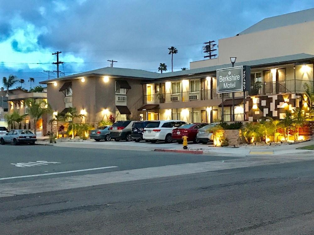 Berkshire Motor Hotel San Go