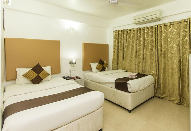 OYO 347 Hotel Fiesta Grand, Bengaluru, Standard Double or Twin Room, 1 Double Bed, Guest Room
