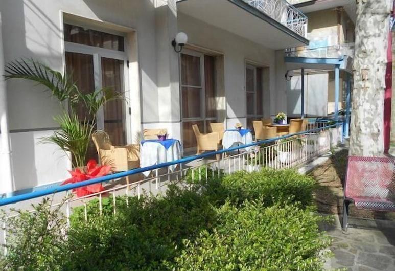 Hotel Villa Dei Platani, Bellaria-Igea Marina, Taras/patio