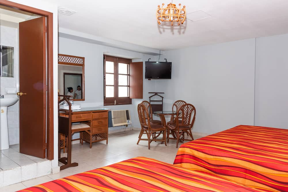 Double Room (Dos Camas Dobles) - Guest Room