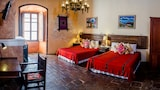 Choose this Inn in Antigua Guatemala - Online Room Reservations