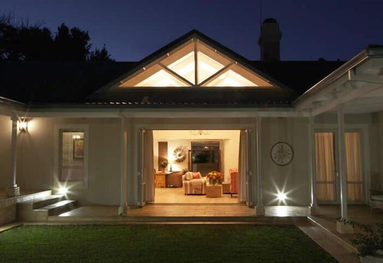 Kingsmead Guest House, Harare, Terrace/Patio