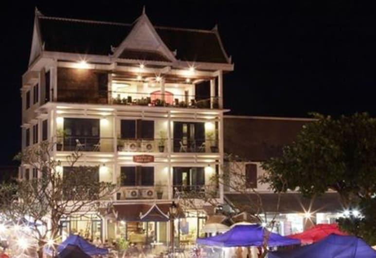 Indigo House Hotel, Luang Prabang, Hotellets front – kveld/natt