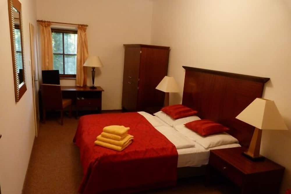 Standard Double or Twin Room, 1 Bedroom - Living Area