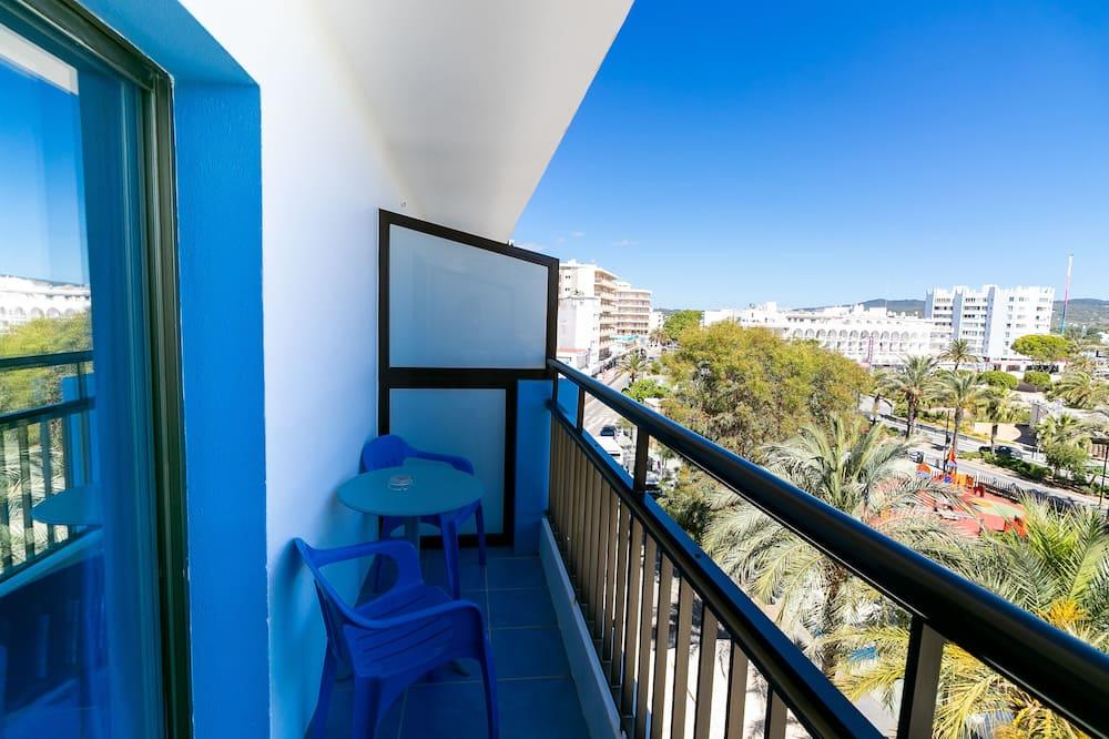 Estudio básico, balcón - Vista al balcón