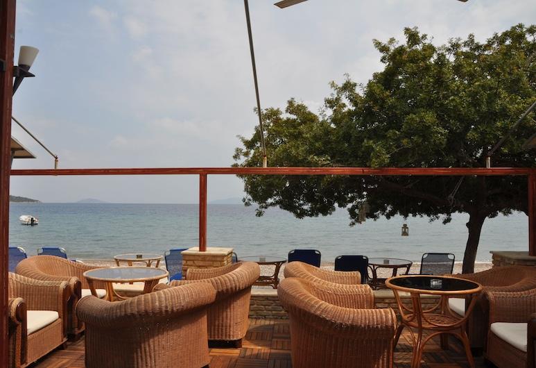 Ξενοδοχείο Απόλλων, Επίδαυρος, Γεύματα σε εξωτερικό χώρο