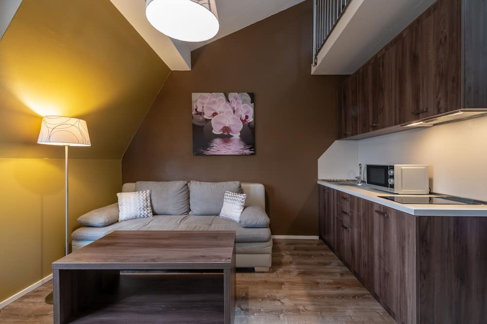 Comfort Apartment, Multiple Beds, Kitchenette - Living Area