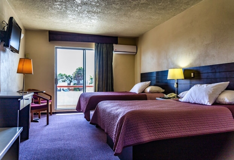 Hotel Posada Don Fernando, Ensenada, Basic Double Room, Guest Room