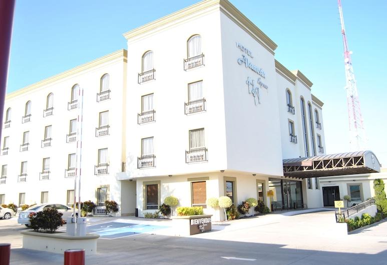阿拉米達快捷酒店, 馬塔莫羅斯, 酒店正面