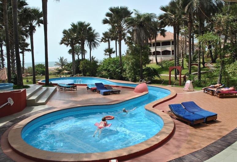 Lemon Creek Hotel Resort, Серрекунда, Відкритий басейн