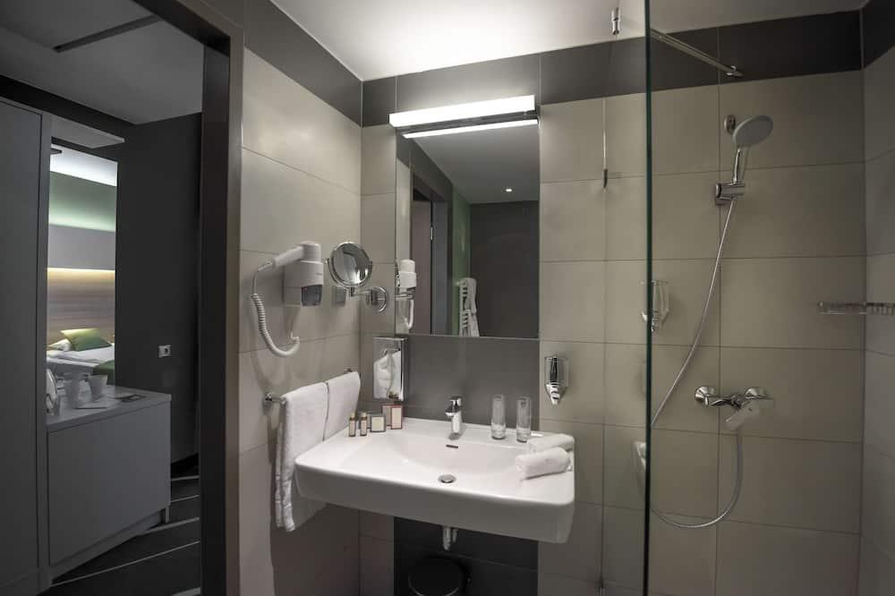 標準客房, 1 張特大雙人床, 非吸煙房, 湖景 (Quiet Location) - 浴室
