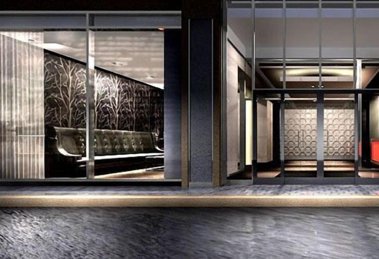 Life Suites Luxury Downtown Condos, Toronto, Voorkant van de accommodatie - avond
