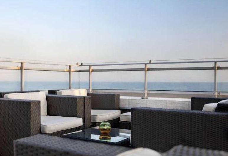 Life Suites Luxury Downtown Condos, Toronto, Restoran