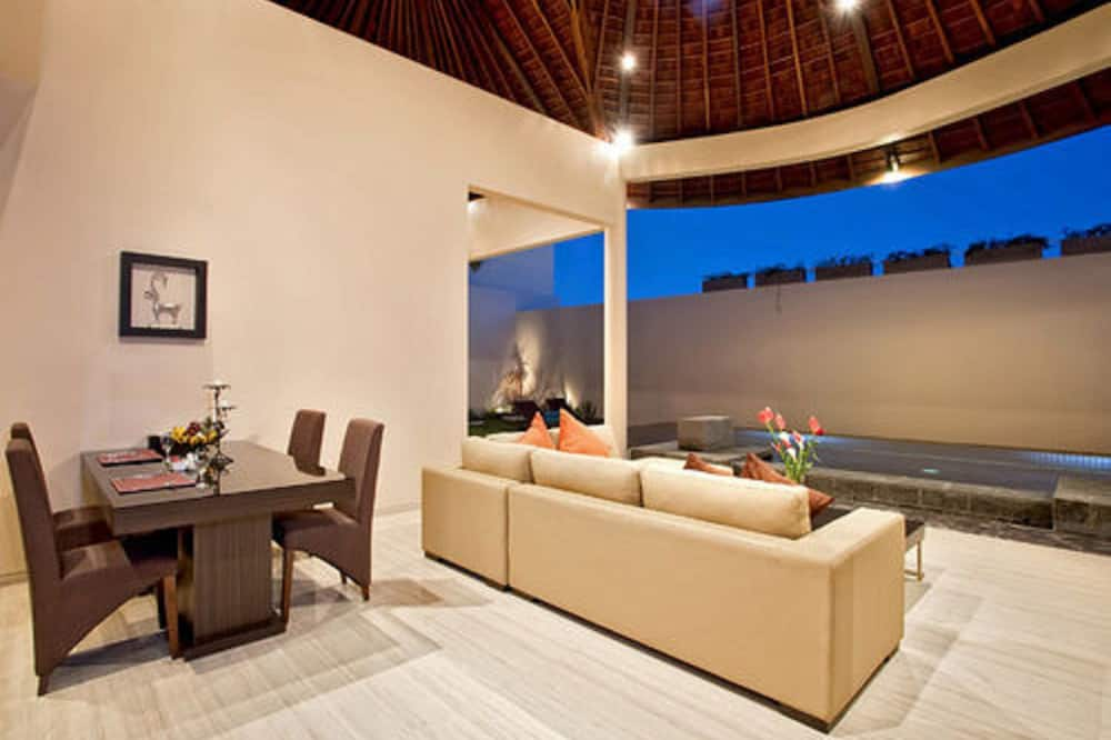 Deluxe Villa, 2 Bedrooms, Private Pool - Living Room