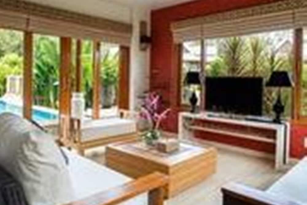 3 Bedroom Pool Villa Deluxe - Living Area