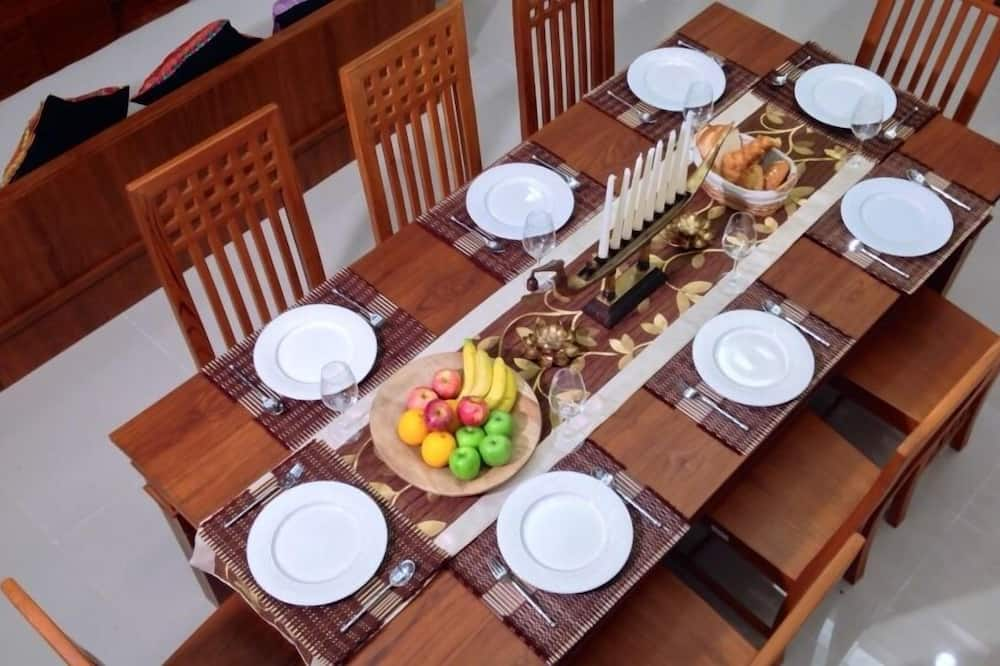 President Private Pool Villa - In-Room Dining