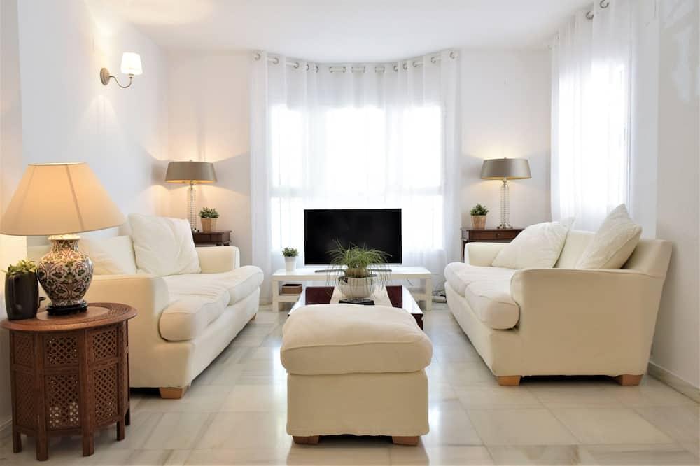 Superior Apartment, 3 Bedrooms - Room