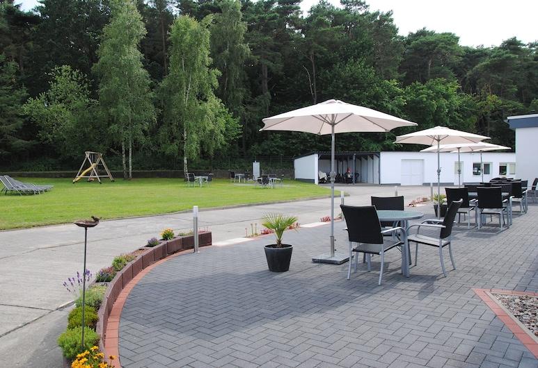Appartementanlage-Ferienwohnungen Weiße Möwe, Sassnitz, Terasa / vidinis kiemas