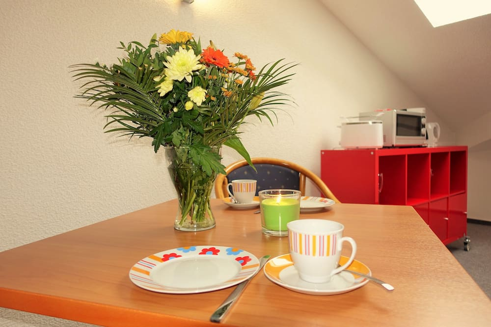 Lakosztály, konyharész, kilátással a tóra - Étkezés a szobában