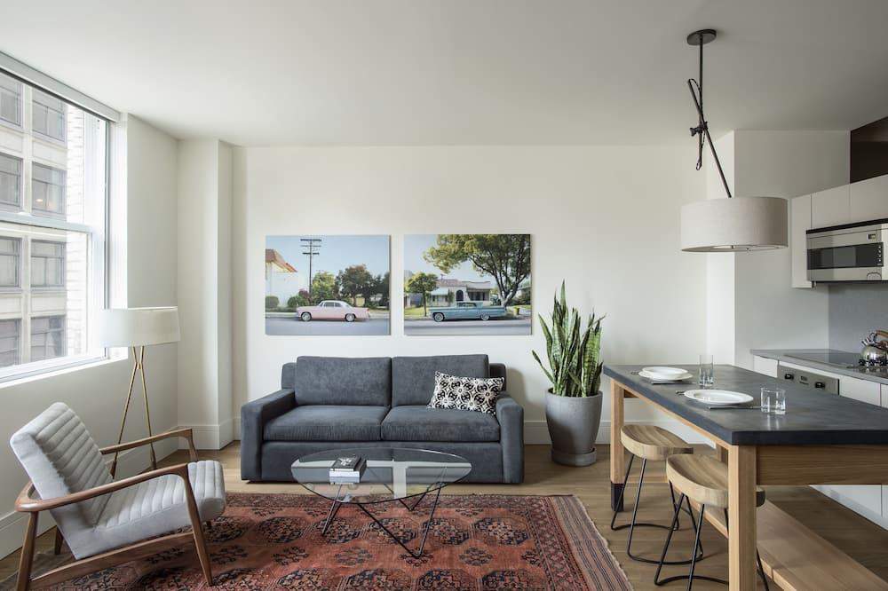 Апартаменты «Премиум», 1 спальня, кухня, вид на город - Зона гостиной