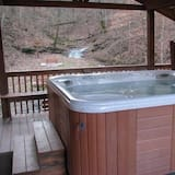 Emily's Elk Lodge (with 2 Full Size Beds) - Außen-Whirlpool