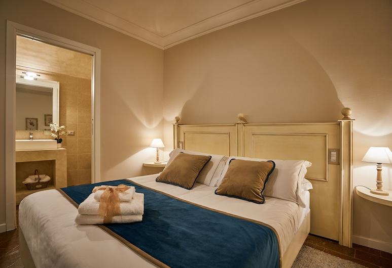 Birkin Castello, Cagliari, Camera Superior con letto matrimoniale o 2 letti singoli, Vista dalla camera