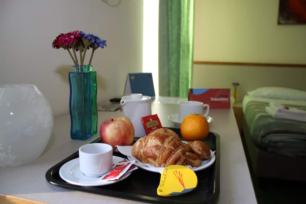 Habitación con 1 cama doble o 2 individuales, vista al mar - Servicio de comidas en la habitación