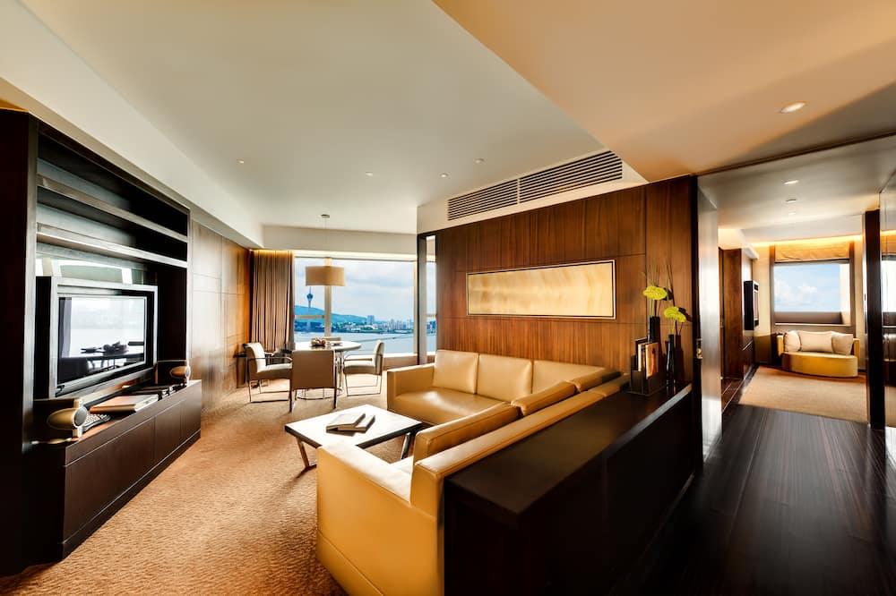 Corner Suite - Living Area