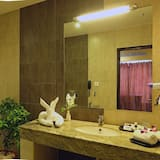 Premier Double or Twin Room, 1 King Bed, Non Smoking - Bathroom