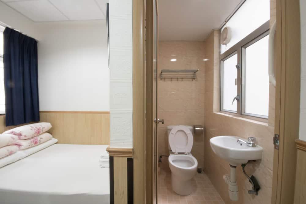 Трехместный номер - Ванная комната