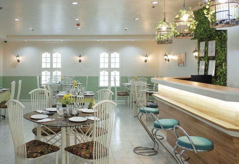 Crowne Garden Hotel, Cebu, Dining