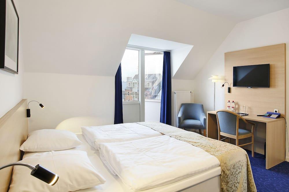 Двухместный номер с 1 двуспальной кроватью, балкон, вид на город - Вид на город