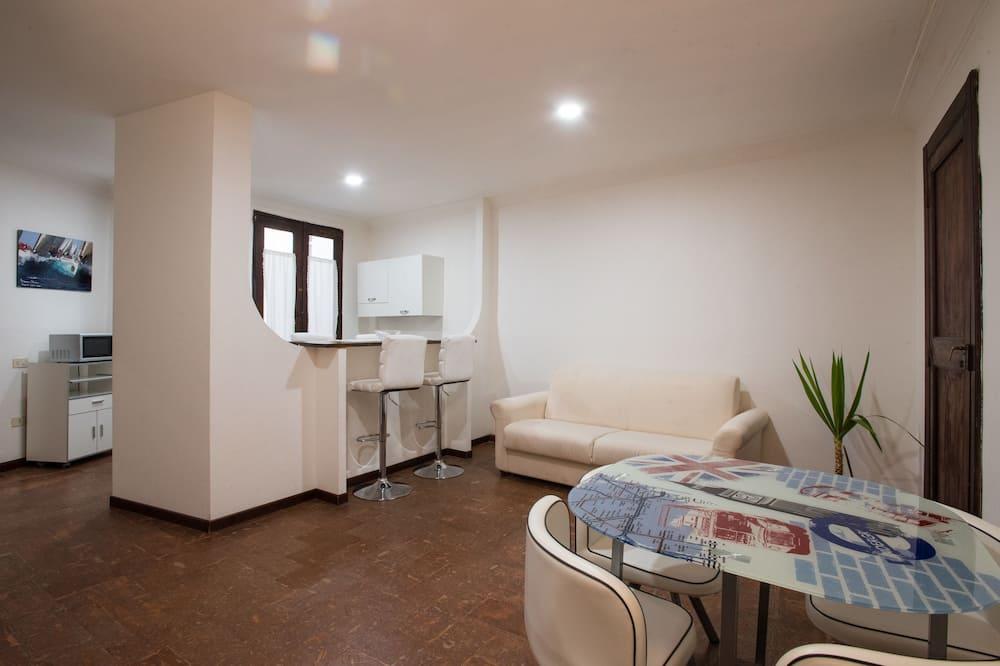 Appartamento Classic, 2 camere da letto, angolo cottura, vista città - Area soggiorno