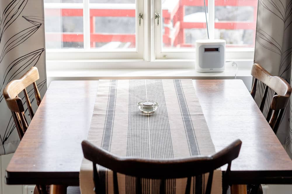 Comfort Cabin, 1 Bedroom, Kitchen - Living Area