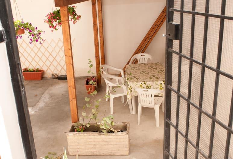 Dandi Domus, Rome, Apartment, 2 Bedrooms, Kitchen, Garden View, Terrace/Patio