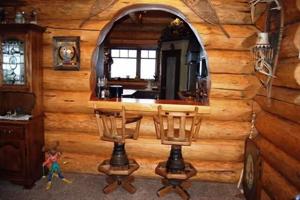 Представительский домик, 4 спальни, гидромассажная ванна, вид на горы - Зона гостиной