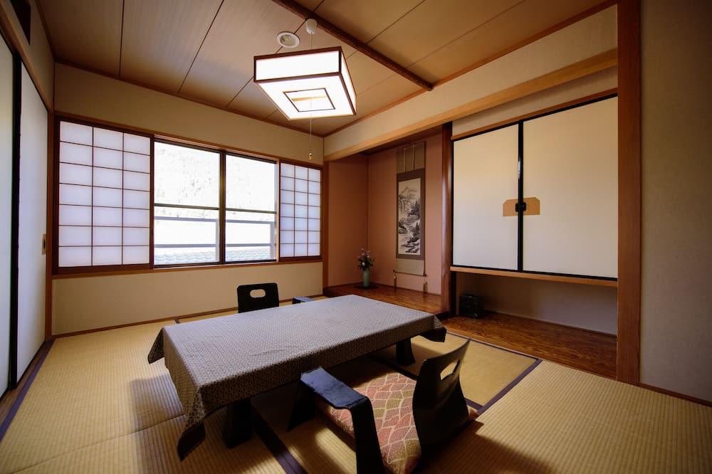 Corner Japanese Style, Hagi - In-Room Dining