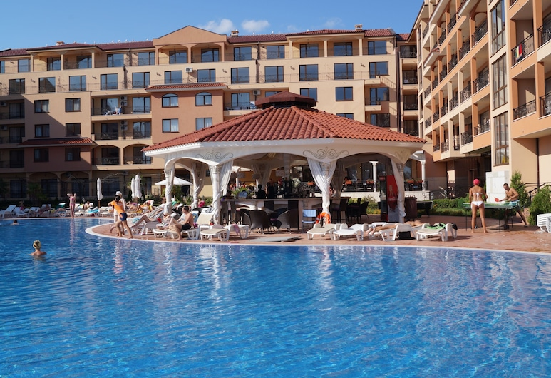 Apart Hotel & SPA Diamant Residence - All Inclusive, Sunny Beach, Lauko baseinas