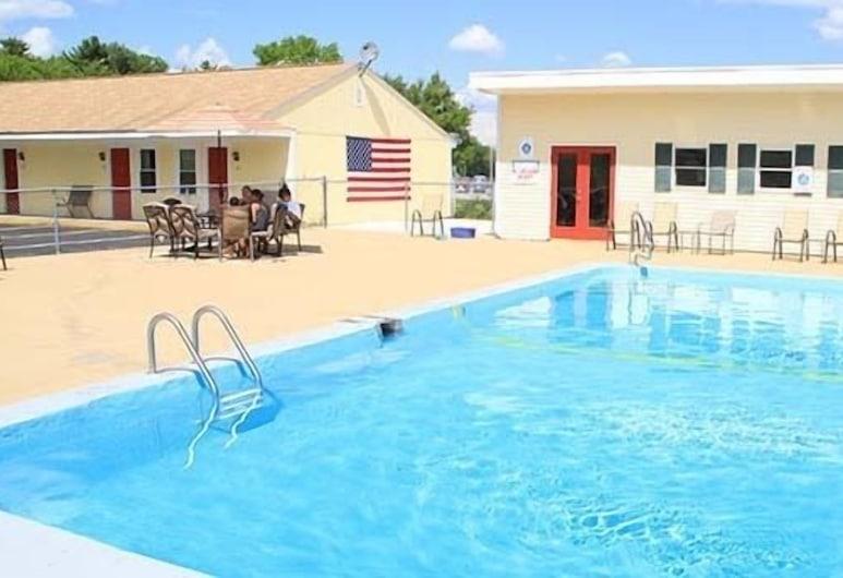 肯納邦克旅館, 卡勒邦, 室外泳池