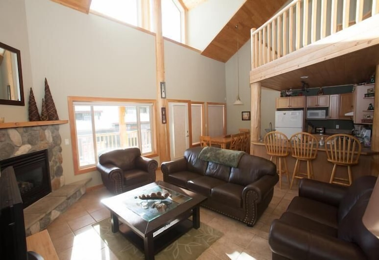 Creekview Court by Apex Accommodations, Penticton