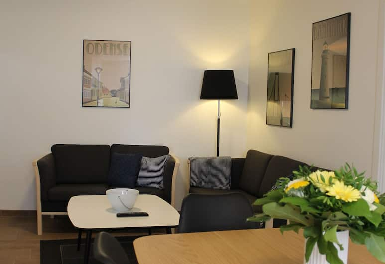 Amalie Bed and Breakfast & Apartments, Odense, Apartment, Private Bathroom (1-2), Guest Room