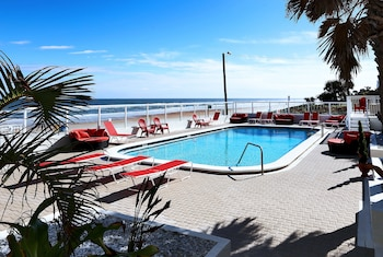 Picture of Chateau Mar Beach Resort in Ormond Beach