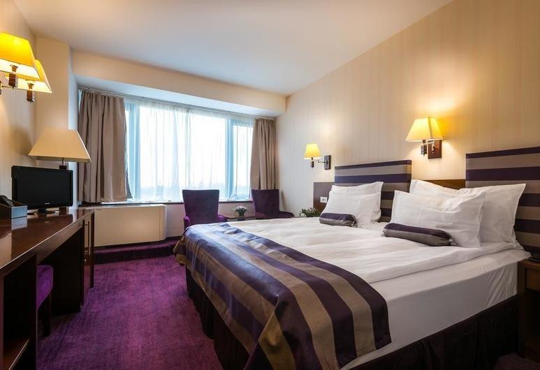 Grand Hotel Napoca , Cluj-Napoca, Standard Double Room, Guest Room