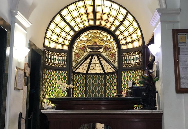 瑪麗莎酒店, 羅馬, 櫃台